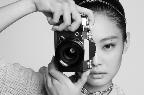 JENNIE for CHANEL Spring-Summer 2022 Ready-to-Wear Teaser image